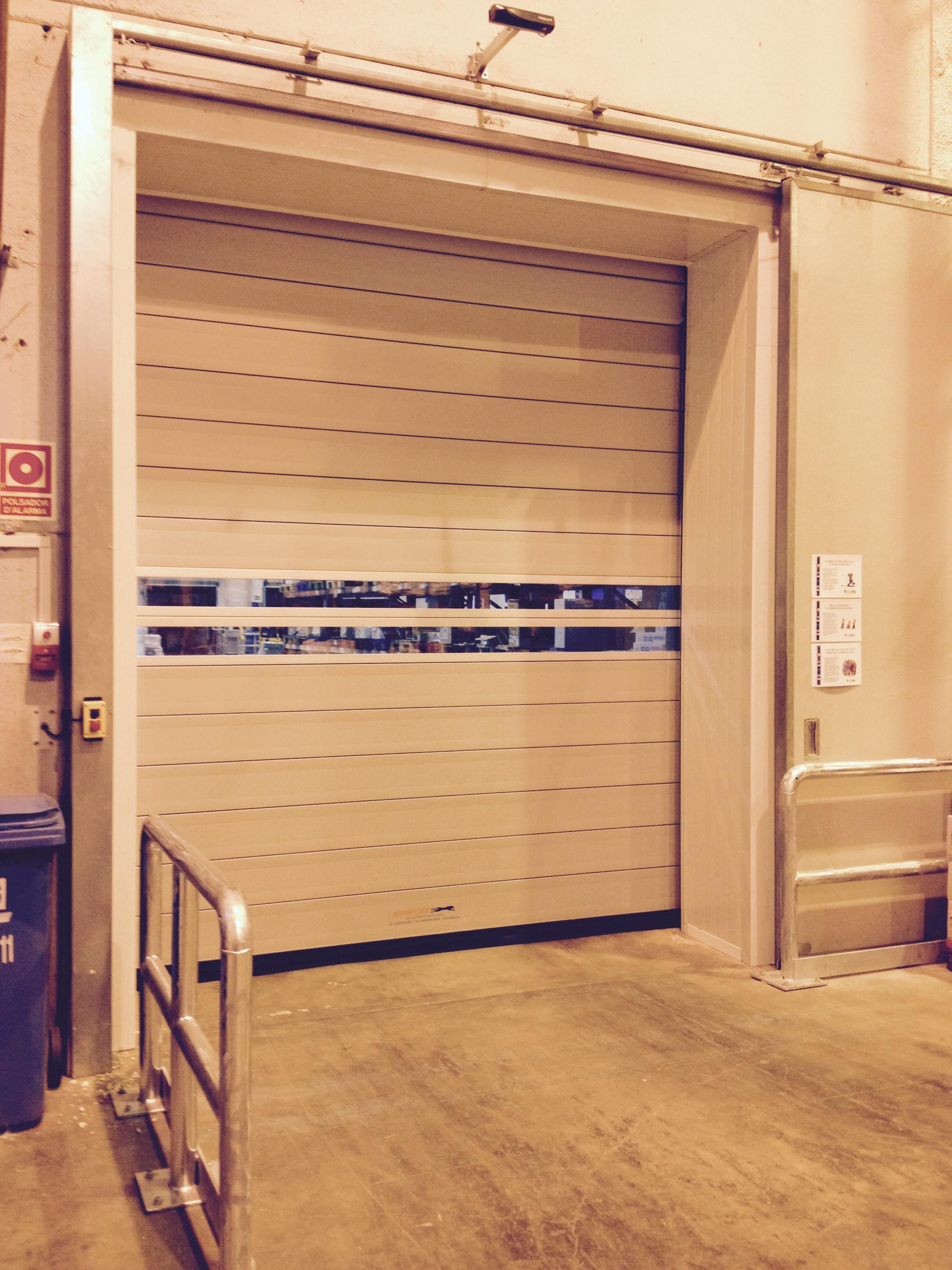 Muelles de carga puertas industriales efaflex mayasa - Muelles de puertas ...